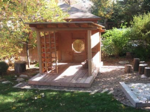 Japanese tea-style kids playhouse