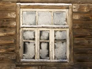 Kids playhouse frozen window